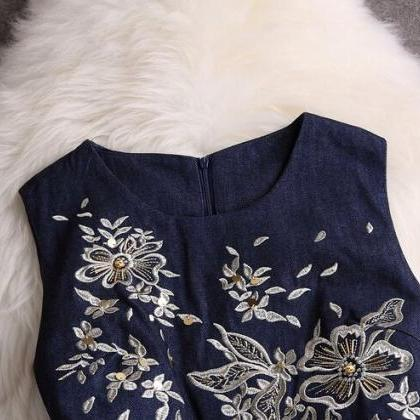 Embroidery Round Neck Sleeveless Dr..